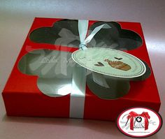 Cajas para galletas Materiales: Cartulina, acetato Aplique: tag