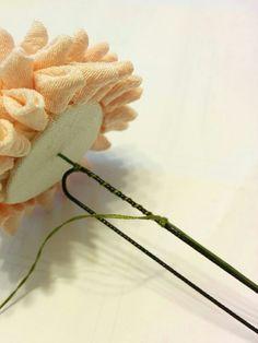 半くすの作り方《丸つまみ》adding the hair pin to the base made from styrofoam ball, fabric and wire