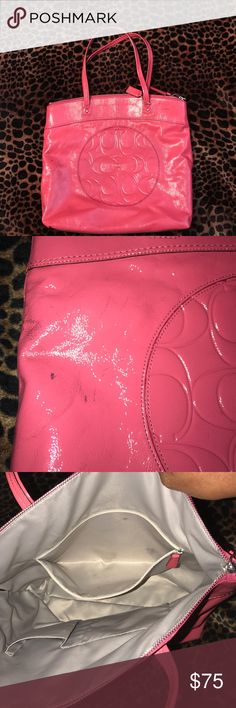 Coach hobo💕🌸💕🌸💕 Allow me to be totally honest about this bag first off it is a beautiful bag second it has scuff marks the inside is decent as you can see in the pictures but it has a few stains inside very light stains. overall the leather is in great condition besides the scuff marks. the corners are not worn out. It's a great bag Coach Bags Hobos