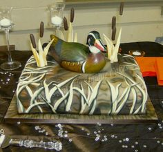 Duck dynasty cake.....THAT IS AWESOME