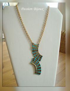Splendide collier réalisé en Tila beads de Miyuki de couleur TURQUOISE ET BRONZE avec fermoir aimanté    Procédé de fabrication  Entièrement réalisé à la main