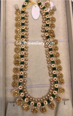 Indian Gold Jewelry Near Me 24k Gold Jewelry, Urban Jewelry, Gold Jewellery Design, Jewelery, Antique Jewelry, Diamond Jewellery, Jewelry Model, Jewelry For Her, Indian Wedding Jewelry