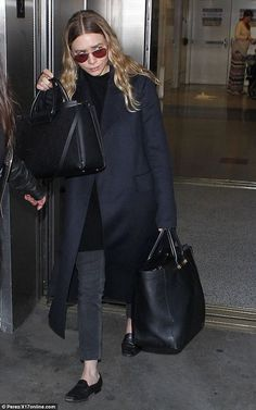 Sleek: Ashley Olsen went for a simpler understated look as she touched down at LAX on Tues. Ashley Olsen Style, Olsen Twins Style, Mary Kate Ashley, Mary Kate Olsen, Elizabeth Olsen, Fashion Line, Star Fashion, How To Have Style, My Style