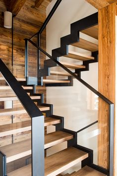 Escalier en bois, verre et métal brut / Wood, raw metal and glass staircase Source by Metal Stairs, Staircase Railings, Staircase Ideas, Glass Stair Railing, Staircase Glass, Wood Railing, Staircase Remodel, Open Staircase, Railing Ideas