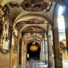 Oh those porticos! So happy to be back in Bologna - Instagram by @Suzanne Courtney @TheTravelBunny