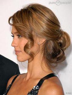 coiffure mi long chignon