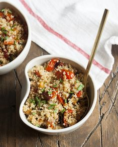 Comfort Food: Quinoa with Garlic Roasted Cherry Tomatoes and Chickpeas | Choosing Raw – vegan and raw recipes