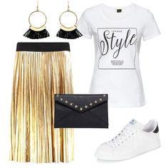 Gonna+a+pieghe+color+oro,+lunghezza+midi+e+con+elastico+in+vita+nero,+t-shirt+bianca+con+stampa+da+infilare+dentro+alla+gonna,+sneakers+bianche,+pochette+a+busta+a+nera+con+stelline+e+orecchini+pendenti+color+oro+e+nero.