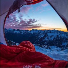 What a view to wake up to! http://camplovers.com/coleman-6-person-instant-cabin-tent-review/
