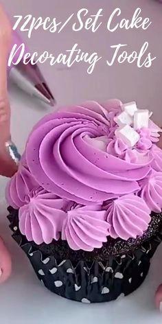 Cupcake Decorating Tips, Cake Decorating Frosting, Cake Decorating Techniques, Elegant Cupcakes, Yummy Cupcakes, Baking Tips, Baking Secrets, Bread Baking, Cupcake Cake Designs