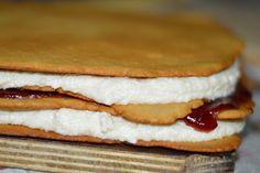 Prajitura Albinita - CAIETUL CU RETETE Tiramisu, Gem, Caramel, Sandwiches, Deserts, Breakfast, Ethnic Recipes, Food, Sticky Toffee