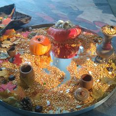 An autumn sensory invitation! i love the addition of a mirror to extend the children's play! Autumn Display Eyfs, Autumn Display Boards, Autumn Activities For Kids, Fall Preschool, Creative Activities, Fall Crafts, Halloween Crafts, Nursery Display Boards, Autumn Eyfs