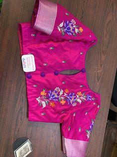 Wedding Saree Blouse Designs, Best Blouse Designs, Silk Saree Blouse Designs, Blouse Neck Designs, Hand Work Blouse Design, Stylish Blouse Design, Traditional Blouse Designs, Boat Neck, Blouse Desings