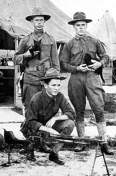 historywars:  US soldiers with and MG and cats..