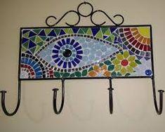 Imagen relacionada Mosaic Wall, Mosaic Glass, Stained Glass, Glass Art, Mosaic Planters, Mosaic Furniture, Mosaic Pieces, Planter Boxes, Diy And Crafts