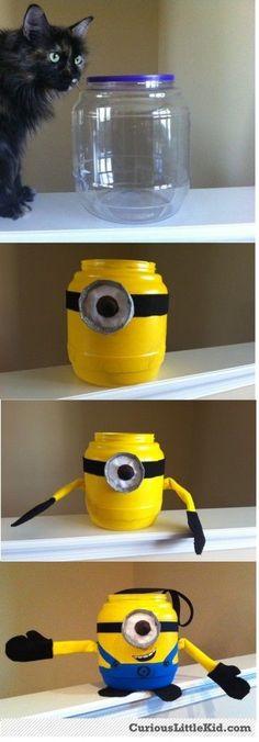 2014 Halloween minion bucket crafts tutorial for kids - homemade, decorations  #2014 #Halloween
