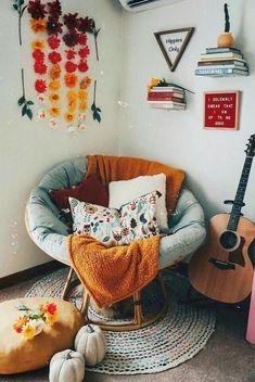 boho home decor Familienzimmer Dekorieren Boho Chic Wohnkultur Ideen. Cute Room Ideas, Cute Room Decor, Red Wall Decor, Red Room Decor, Aesthetic Room Decor, Cozy Room, Dream Rooms, Living Room Decor, Living Rooms