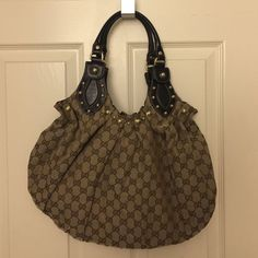 Gucci bag Gucci bag. New condition. Has the bag and the certification. Gucci Bags Shoulder Bags