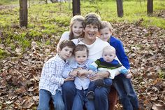 Loving this Grandma/Grandchildren photo! I would love to take picture like this now with all the Smith cousins. Then with the cousins and great grandkids.