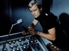 David McCallum as Illya Kuriakin- The Man from Uncle Spy Shows, 60s Tv Shows, Man From Uncle Tv, Napoleon Solo, History Of Television, David Mccallum, Lost In Space, Beautiful Boys, The Man