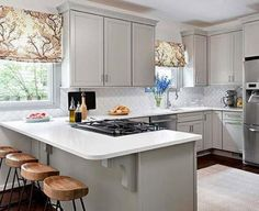 10 Astonishing Diy Ideas: Cheap Kitchen Remodel Before After old kitchen remodel concrete counter.Small Kitchen Remodel With Pantry kitchen remodel diy before after.Small Kitchen Remodel With Pantry. Traditional Kitchen Design, Home Kitchens, Kitchen Design Small, Kitchen Peninsula, Small Kitchen Layouts, Kitchen Remodel Small, Kitchen Flooring, Kitchen Interior, Interior Design Kitchen