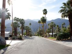 """The rich and famous have a long love affair with Palm Springs. According to the so-called """"two-hour rule"""", actors under contract with a Hollywood studio had to be available within two hours and nearby Palm Springs, with more than 350 days of sunshine per year, was the ideal place to go to for a quick escape. Their glamour made Palm Springs fashionable and attracted visitors from all over the world."""
