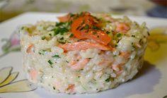 Risotto au saumon constitue un plat complet qui plaira à toute la famille ainsi qu'aux fins gourmets. Parsemé de parmesan, ce risotto est un vrai délice !