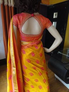 Blouse Neck Designs a Blouse Designs High Neck, Simple Blouse Designs, Stylish Blouse Design, Fancy Blouse Designs, Silk Saree Blouse Designs, Indian Blouse Designs, Saree Blouse Patterns, Sari Design, Blauj Design
