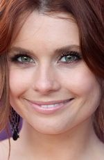 Joanna Garcia ( #JoannaGarcia ) - an American actress, best known for her roles as Sam in Are You Afraid of the Dark?, Cheyenne Hart-Montgomery on The WB/CW sitcom Reba, Megan Smith in Privileged, Mia Putney in Better with You, and Dorothy Crane on Animal Practice - born on Friday, August 10th, 1979 in Tampa, Florida, United States