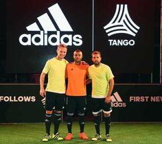 Rakitic, Jordi Alba y Rafinha presentan sus botas adidas Speed of Light