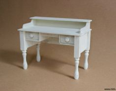 1/6 scale Miniature Desk for dolls (Blythe, Barbie, Pullip, Obitsu, Bratz, BJD, Momoko). Shabby chic