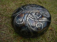 Steel tongue drum by HarmonicHearts on Etsy, $450.00