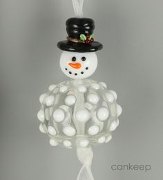Snowman Ornament with a Hollow Bead base by Lezlie Belanger/cankeep