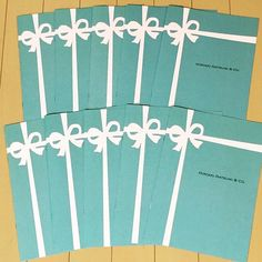頼んでたプロフィールブック兼席次表届いたーめっちゃ可愛いーもちろんテーマカラーのティファニーブルーで表紙はティファニーのプレート風にお願いした✨ 中身ももちろん可愛すぎる仕上がりにやにやがとまらない(笑) #プレ花嫁 #結婚式準備 #ティファニーブルー