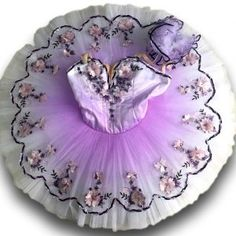 This one piece purple tutu has a lot of delicate sparkle. This amazing tutu can be used for many roles and solo performances. This tutu would suit so many roles and ballets. Great for Lilac fairy Variations in Sleeping Ballet, … Tutu Ballet, Ballerina Costume, Ballerina Dress, Ballerina Dancing, Ballet Girls, Ballet Dance, Angelina Ballerina, Bolshoi Ballet, Tutu Costumes