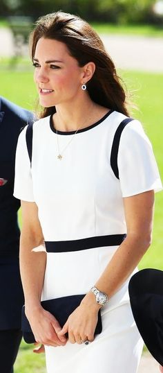 Kate Middleton Photos - Catherine, Duchess of Cambridge visits the National Maritime Museum in Greenwich for the Ben Ainslie America's Cup Launch on June 2014 in London, England. - Kate Middleton Visits the National Maritime Museum Estilo Kate Middleton, Kate Middleton Photos, Kate Middleton Style, Princesa Kate Middleton, Hollywood Fashion, Royal Fashion, Duchess Kate, Duke And Duchess, Principe William Y Kate