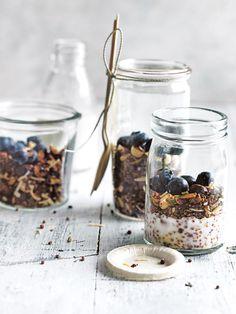 PaleoVegan Granola jars filled with blueberries and COYO Certified Paleo Coconut Yogurt Vegan Yogurt, Healthy Yogurt, Coconut Yogurt, Sweet Breakfast, Paleo Breakfast, Breakfast Ideas, Breakfast Recipes, Granola, Paleo Vegan Diet