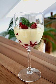 Weiße Creme mit Himbeeren, ein sehr leckeres Rezept aus der Kategorie Dessert. Bewertungen: 58. Durchschnitt: Ø 4,2.