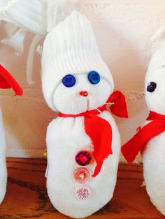 Sneeuwpoppen van oude witte sokken