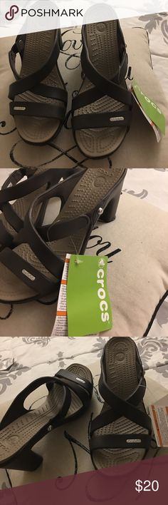 🔥Final Sale🔥NWT Crocks Cyprus IV heel!! Brand New Crocks, Never been used!!! 7 W it can fix also in a 7.5 CROCS Shoes Heels