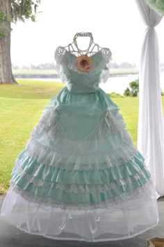 Petticoats & Parsols Tea Party For The Southern Belle In Me. Southern Belle Party, Southern Belle Dress, Petticoat Junction, Pretty Pastel, Beautiful One, Dress Collection, Vintage Outfits, Southern Accents, Dress Up
