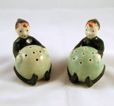 Jack Beanstalk Pixie Shakers Green Salt Pepper Pottery L. Batlin and Sons Importers