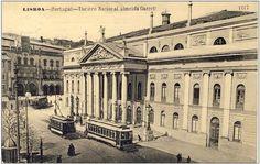 Teatro Dona Maria II and Rossio train station