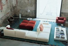 Order now online: simple sofa collection Mex Cube by Cassina with a wide range of variations and combinations for different uses. Design by Piero Lissoni. Interior Architecture, Interior And Exterior, Moderne Pools, Simple Sofa, Contemporary Sofa, Interiores Design, Home And Living, Living Spaces, Living Rooms