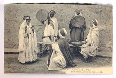 Ouled Nail - History of dance in Algeria Scènes et types- Musiciens et Danseuse du Sud 1950