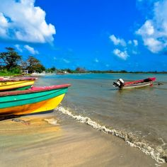 Few venture this far east in Jamaica, but those who do will find one of the most authentic sides of the island, and the most secluded of getaways. A charming fishing village about thirty minutes past Port Antonio, Long Bay is as peaceful and scenic as it gets, with just a handful of affordable, c...