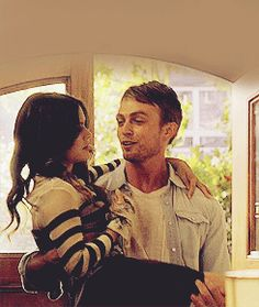 Zoe Hart) & Wilson Bethel (Wade Kinsella) - Hart of Dixie Hart Of Dixie Wade, Zoe And Wade, Gossip Girl, Wade Kinsella, Wilson Bethel, Saga, Red Band Society, Grey Anatomy Quotes, Victoria Secret Outfits