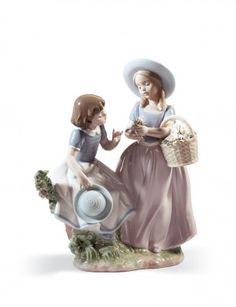 Purchase Lladró Girlfriends Porcelain Figurine at Ramcreations.com
