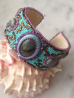 Sono felice di condividere l'ultimo arrivato nel mio negozio #etsy: Ethnic bracelet with labradorite stone https://etsy.me/2Fa4FYM