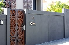 Nice color and loving the rusted finish of the gate